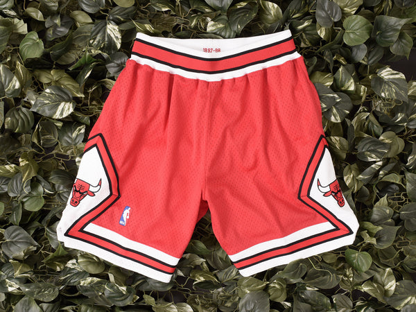 Mitchell & Ness 'Bulls '97-'98 Away' NBA Authentic Shorts [369PA-3B5]