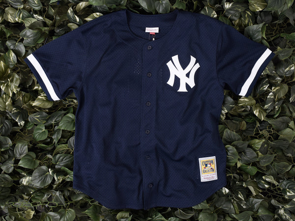 Mitchell & Ness NYY Bernie Williams BP Jersey [7339-418-98BEWIL]