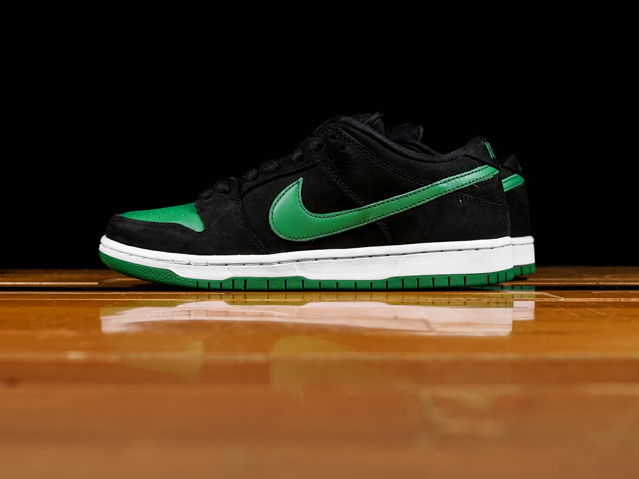 detailed look 4776f bff84 Men's Nike SB Dunk Low Pro [BQ6817-005]