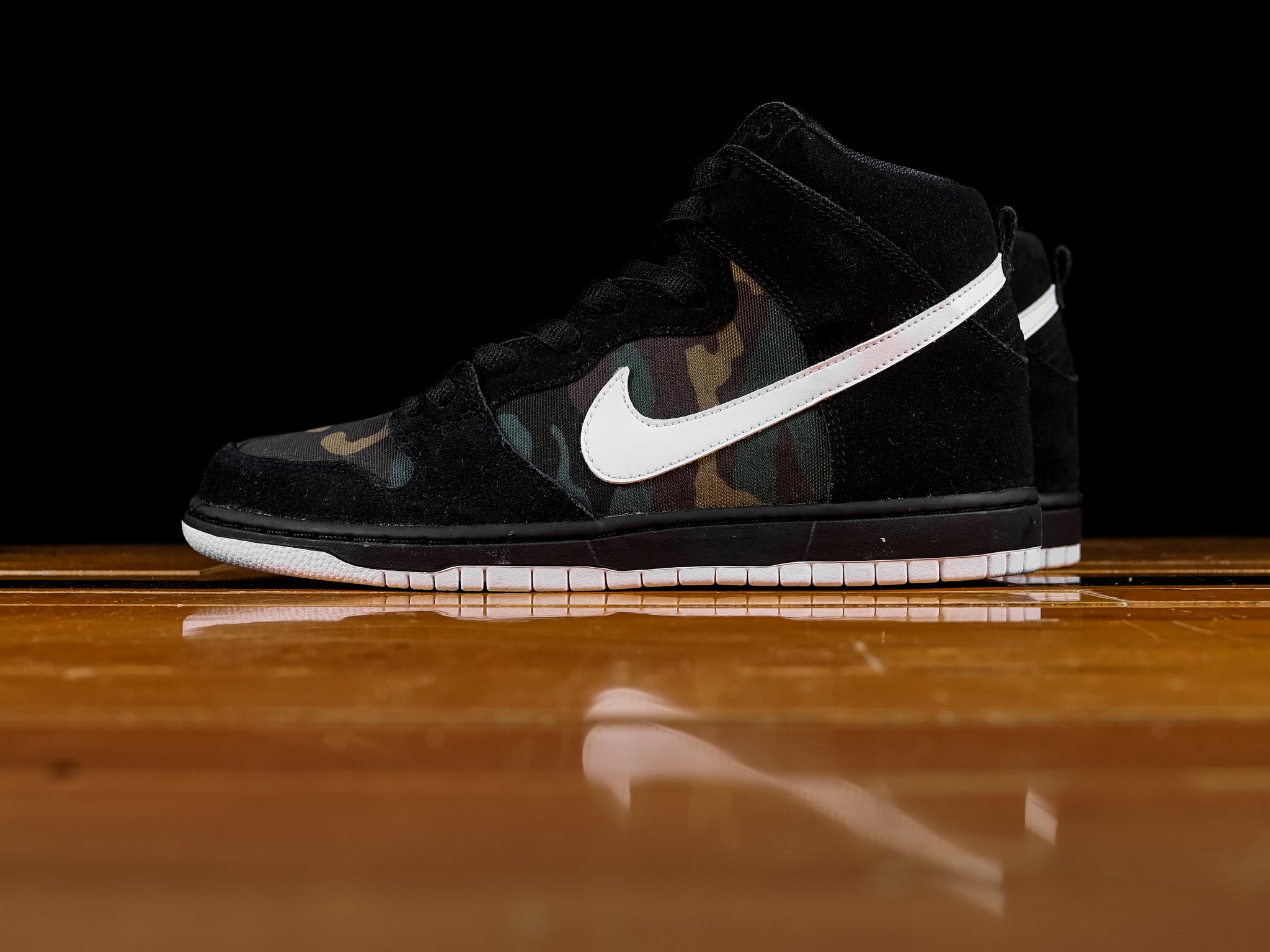 hot sale online 245a5 c057a Men's Nike SB Dunk High Pro 'Camo' [BQ6826-001]