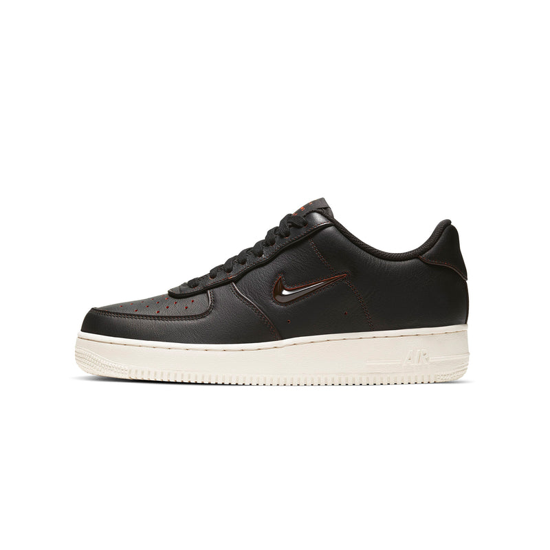 Nike Men Air Force 1 07 Premium Shoe