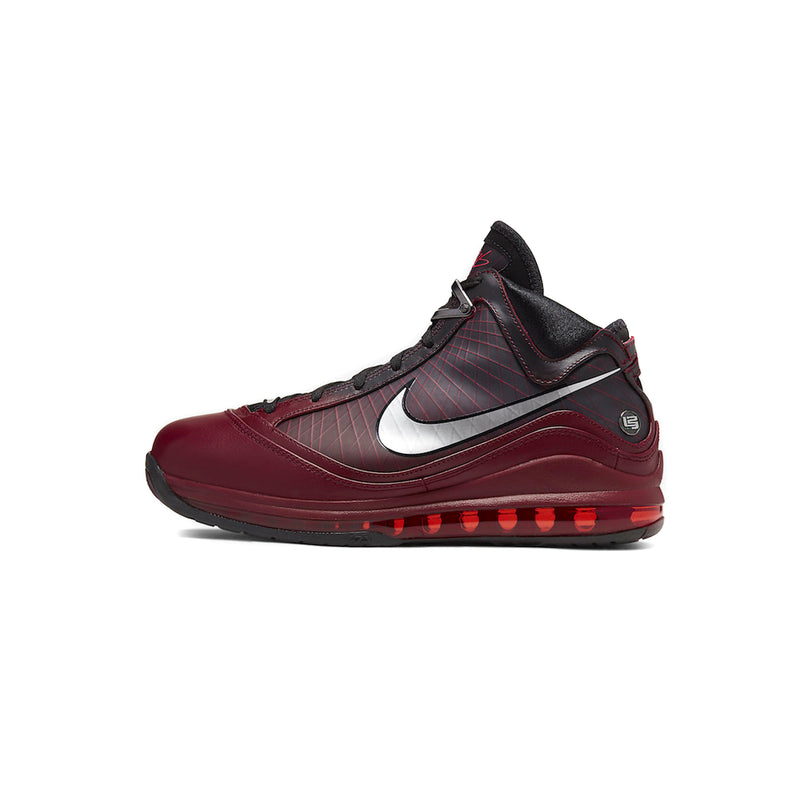 Nike LeBron VII QS Basketball Shoes
