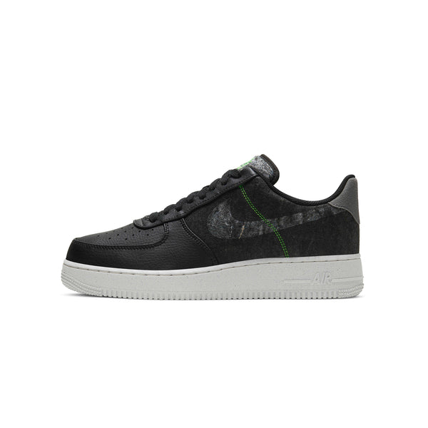 Nike Men Air Force 1 '07 LV 8 Shoes