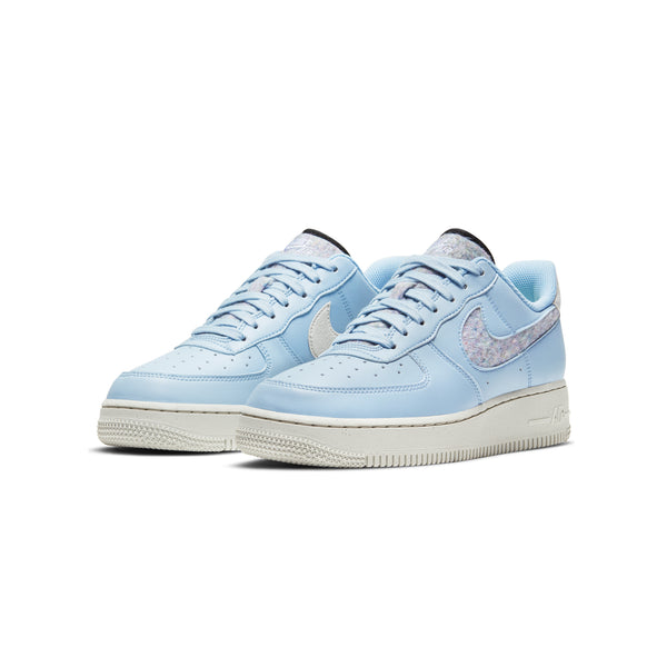Nike Womens Air Force 1 '07 SE Shoes