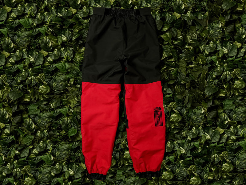 The North Face 94 Rage Rain Pants [NF0A3MJAHS6]