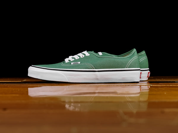 Men's Vans Authentic 'Grass Green' [VN0A38EMUKV]