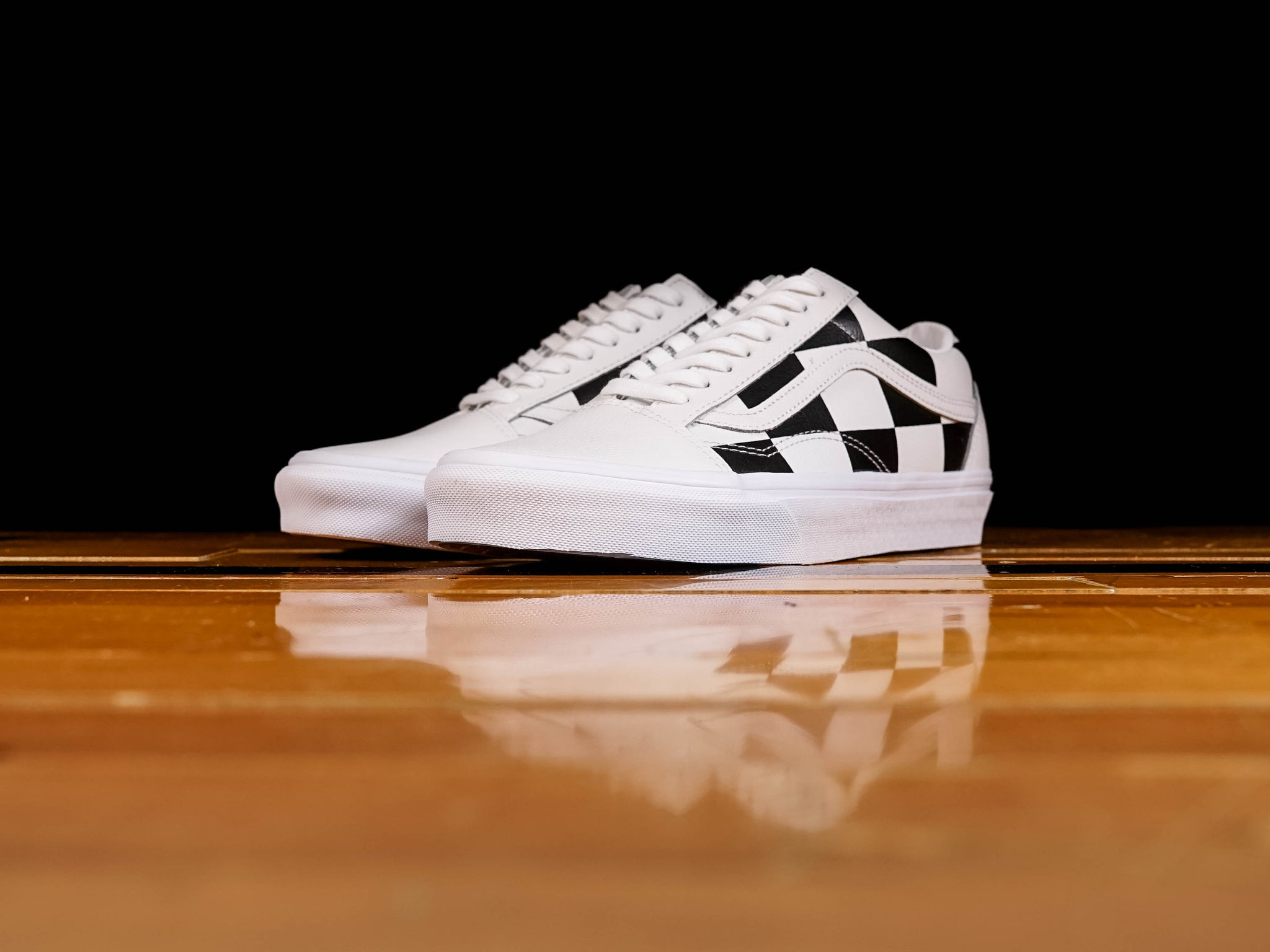 new specials quality and quantity assured wide range Men's Vans Leather Check Old Skool [VN0A4BV5TPL]