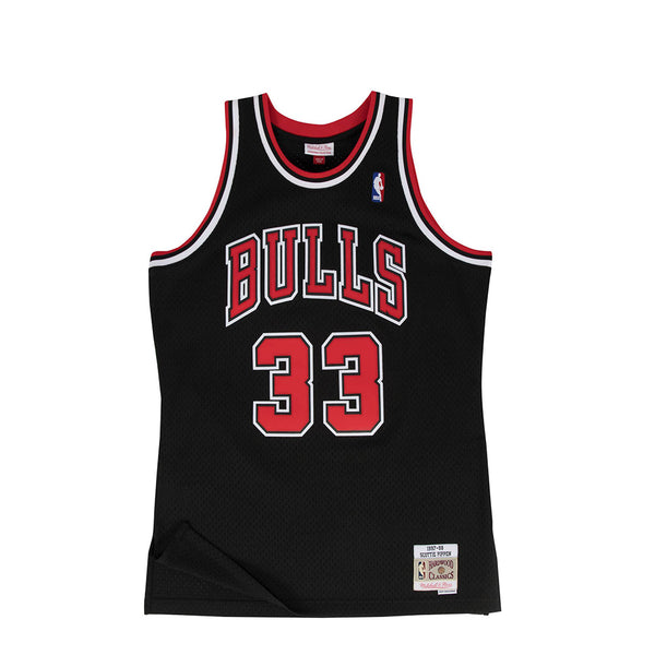 "Mitchell & Ness Mens NBA Chicago Bulls '97 ""Scottie Pippen"" Alternate Swingman Jersey"