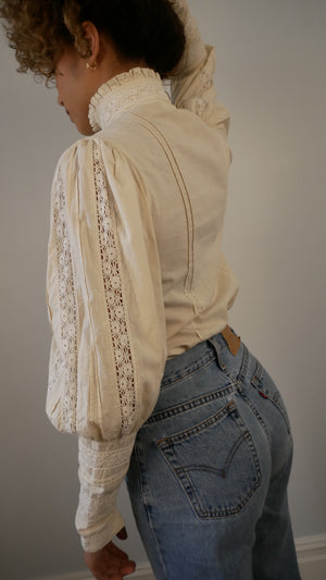 Laura Ashley 1970's Edwardian style blouse with lace - in nude