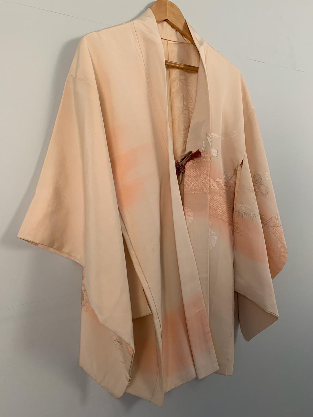 Traditional 1950's Haori Japanese pretty kimono - cream / blush