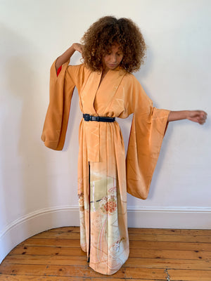 Japanese 1920's silk placement print kimono