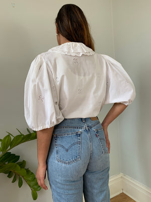 Vintage balloon sleeve blouse with scallop edge collar