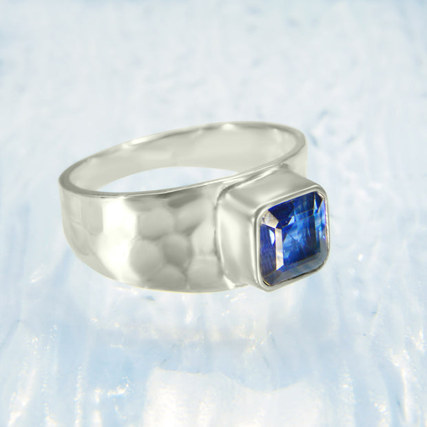 Royal Blue Kyanite Gemstone Ring Size 8 1/2