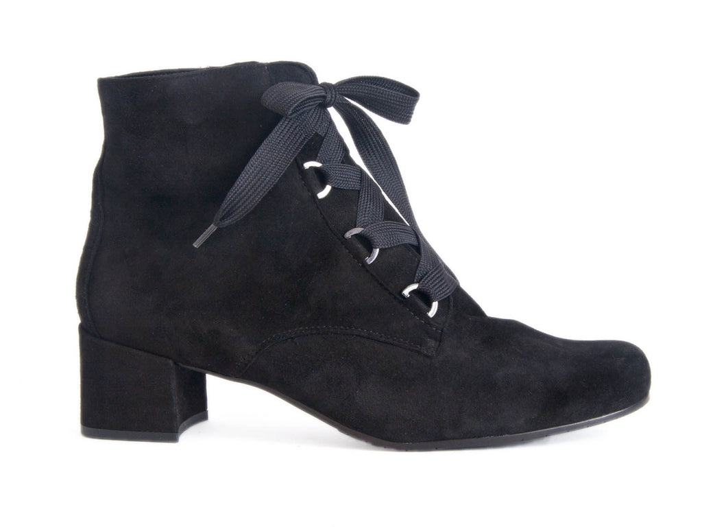 LACE UP BOOT WITH HEEL IN OILED NUBUCK LEATHER