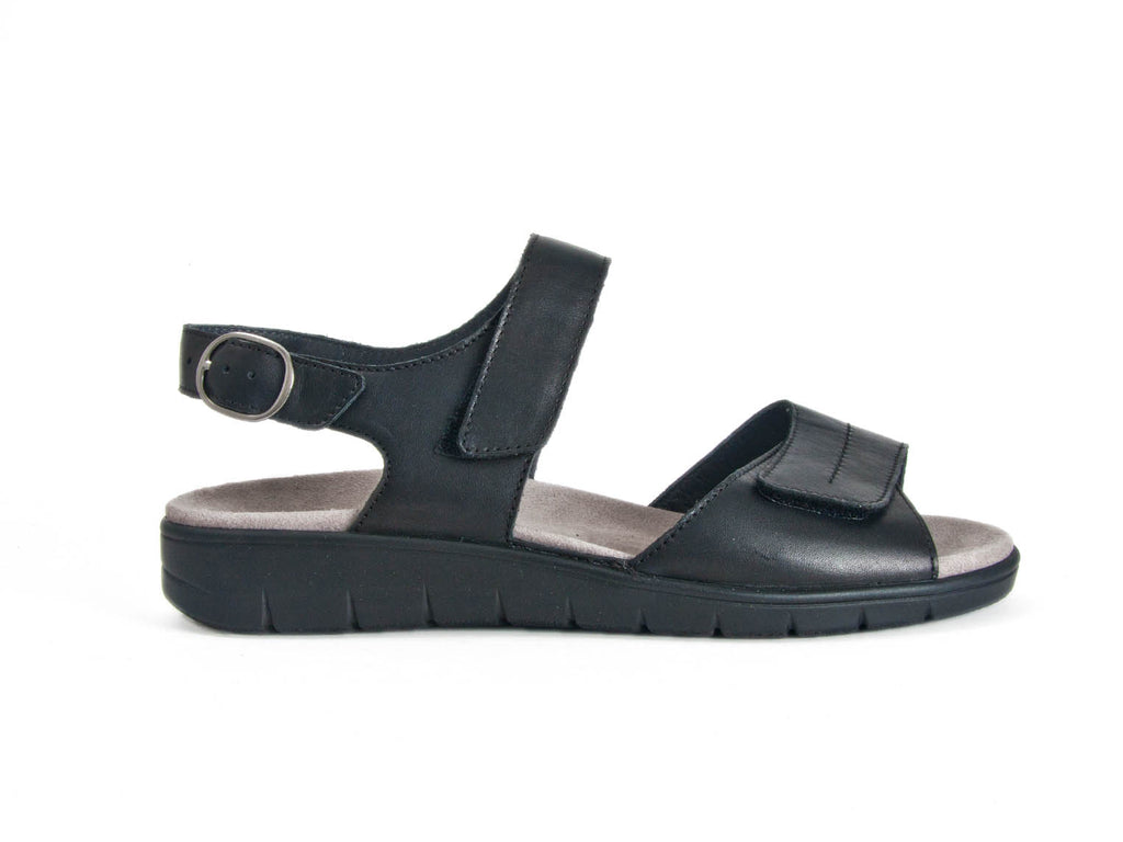 SANDAL WITH VELCRO ADJUSTMENT