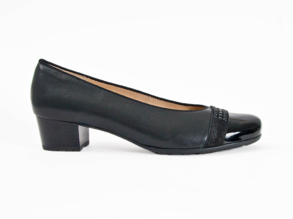 wide comfortable ladies leather shoes