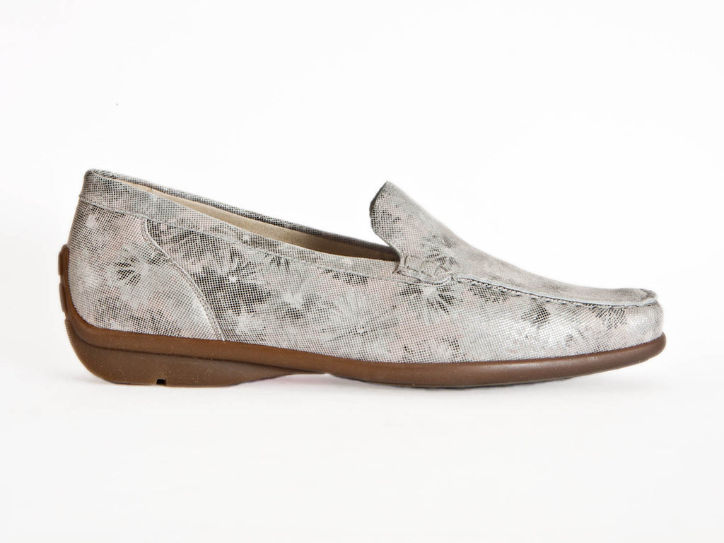 Floral leather loafer