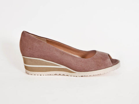 Peep-toe nubuck wedge