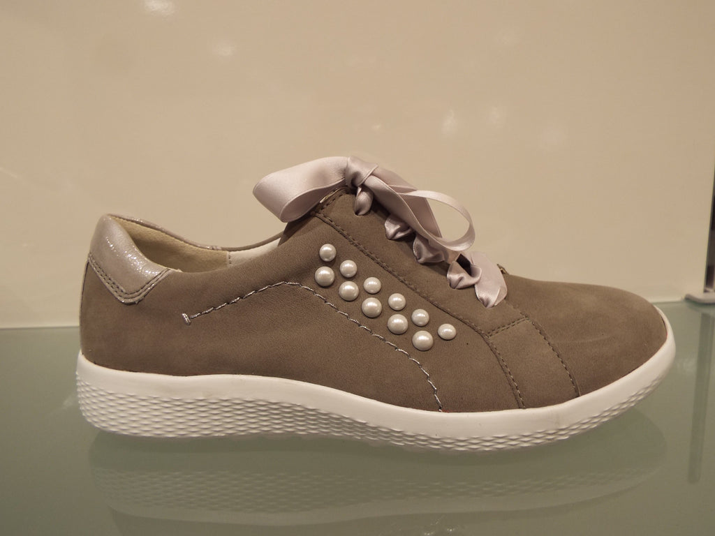 Kiris pearls & ribbon taupe nubuck lace up