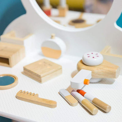 Make me Iconic Wooden Toys Make Me Iconic Beauty Kit