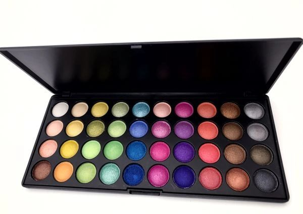 "HAI SOCIETY ""LUXE"" EYE SHADOW PALETTE"