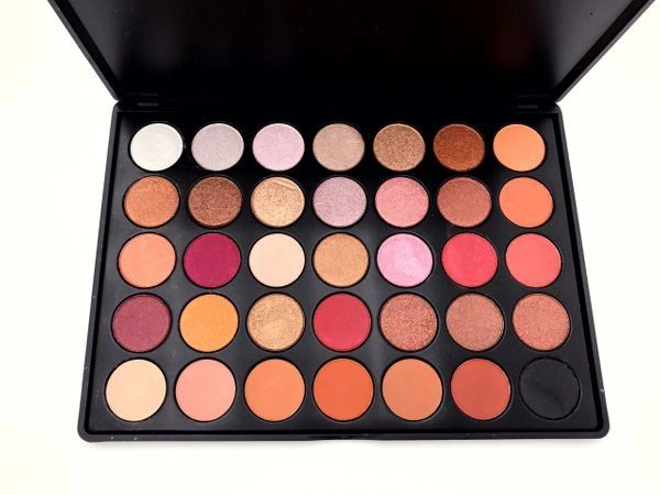 "HAI SOCIETY ""DOLL FACE"" EYE SHADOW PALETTE"