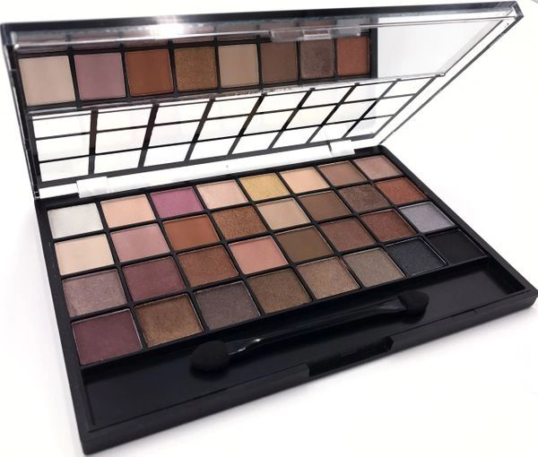 """HAI SOCIETY"" EYE SHADOW PALETTE"