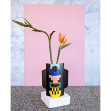 Load image into Gallery viewer, Templo Black Paper Vase