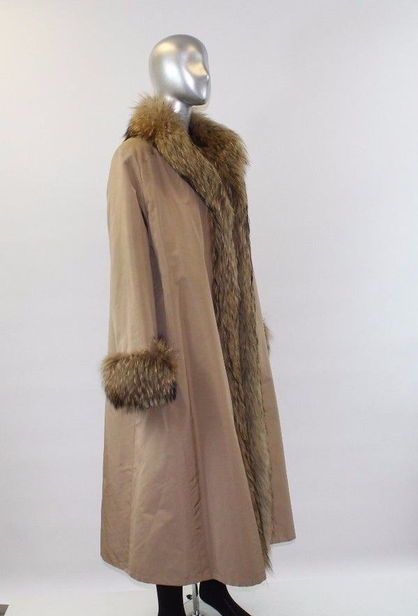 Camel Sheared Beaver Revers with Raccoon Fur Coat Size M-L