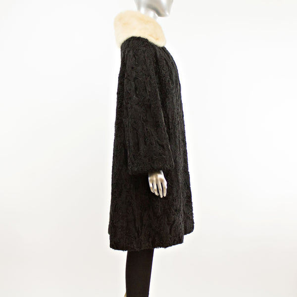 Black Lamb with Detachable Mink Collar Coat- Size XL (Vintage Furs)