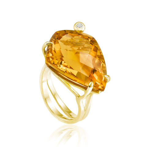 Gold Shield Cocktail Ring: Citrine