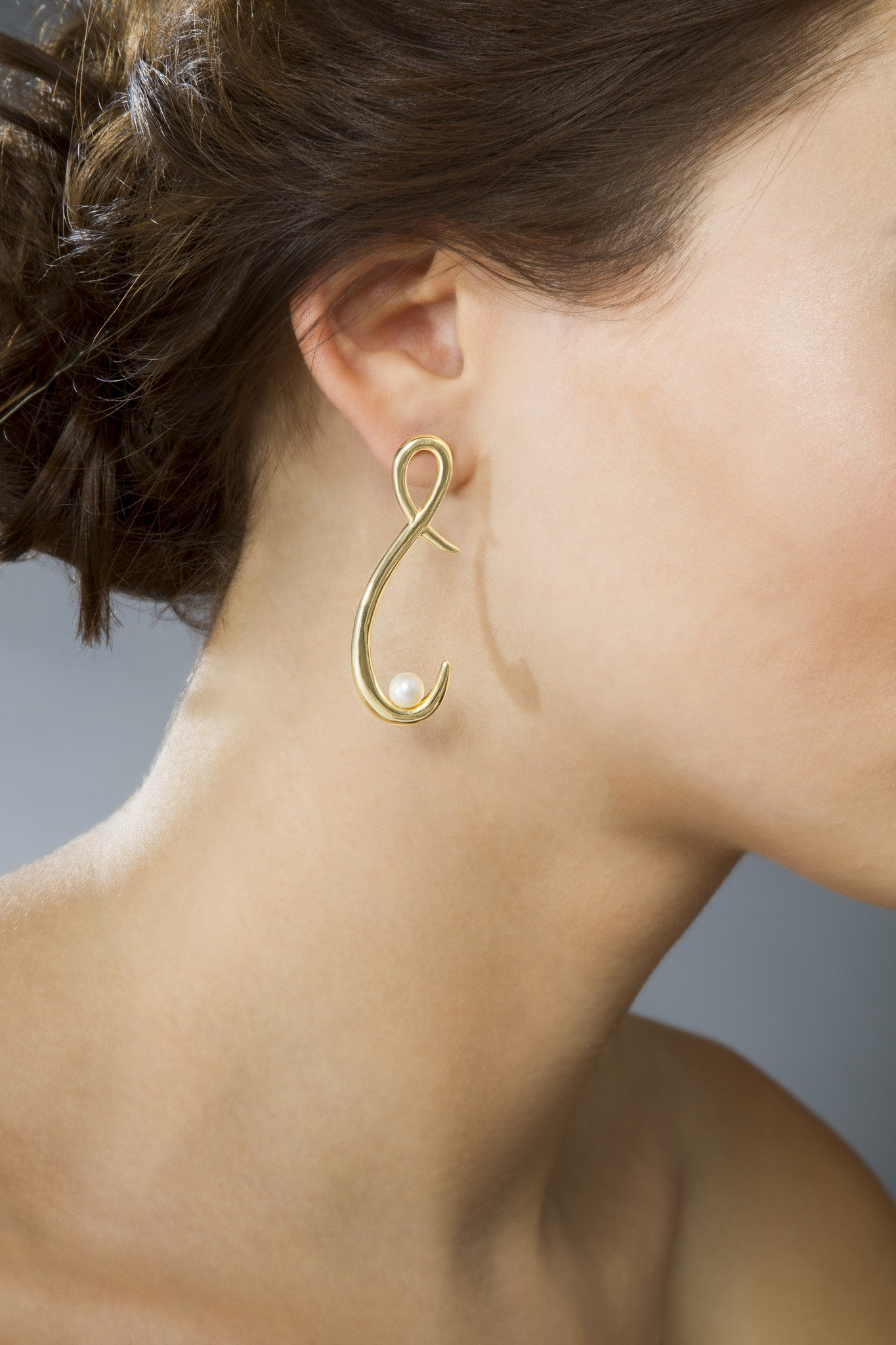 Gold Pearl Earrings (Short)