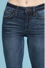 Load image into Gallery viewer, Camille Relaxed Skinny Fit Ankle Jeans