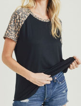 Load image into Gallery viewer, Lindsey Leopard Print Raglan Tee