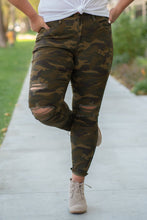 Load image into Gallery viewer, Camo Print Skinny Jean