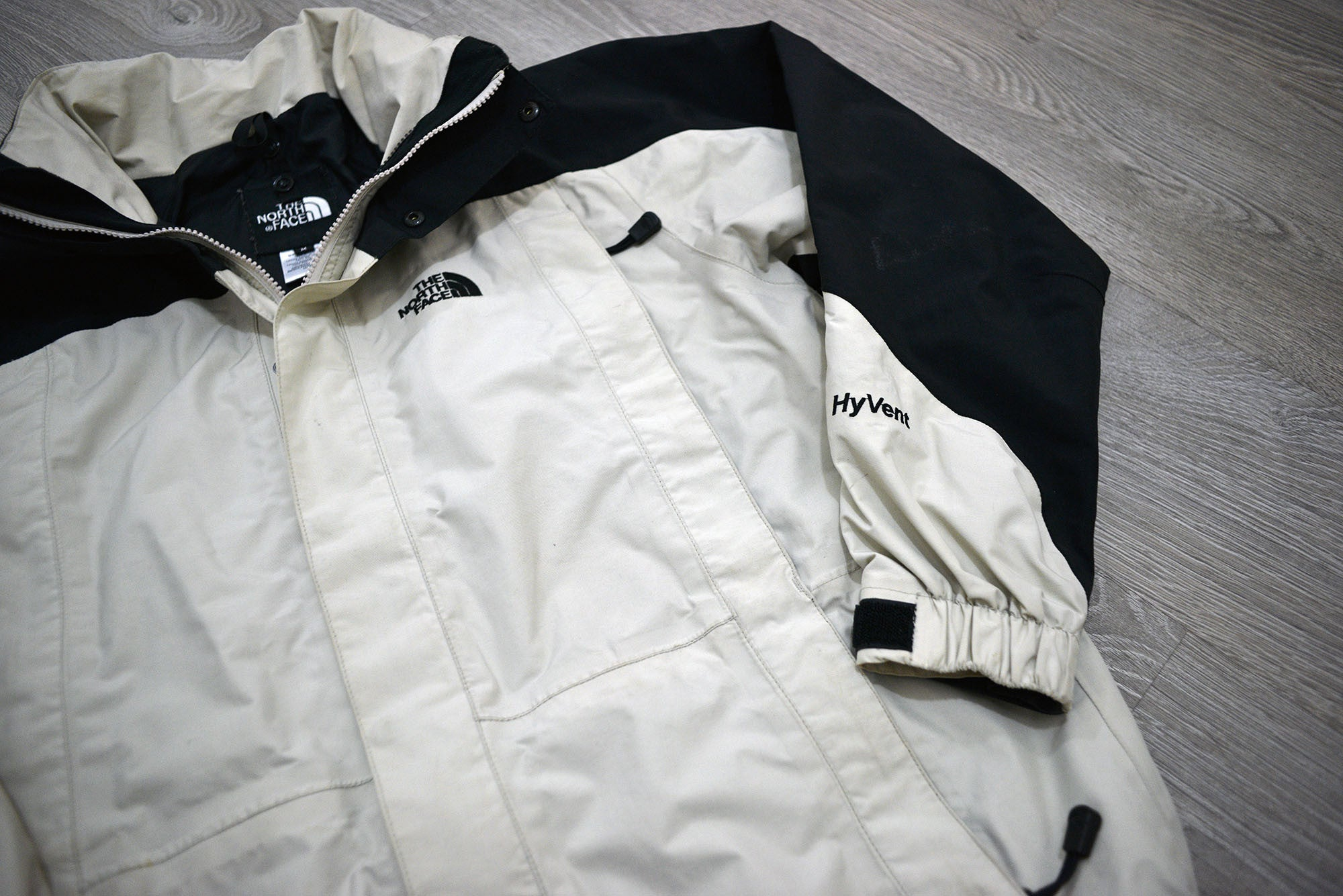 Vintage North Face Hyvent Goretex Mountain Jacket - White/Black