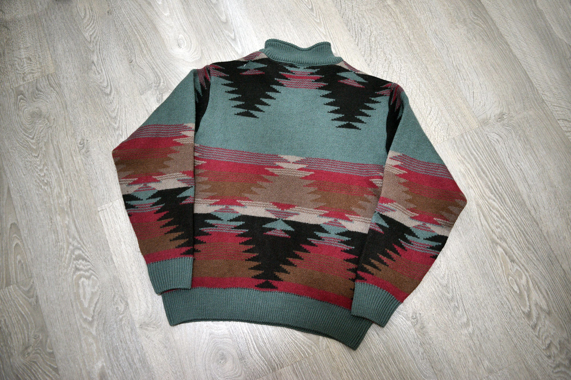 Vintage Orvis Aztec Patterned Wool Pullover/Jumper