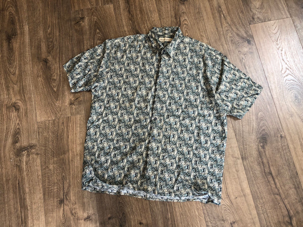 Vintage Wavey Patterned Short Sleeve Shirt