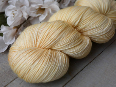 Buttermilk - Noble sock - Fall for November yarns