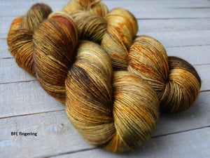 Falling Leaves - Vibrance collection - BFL fingering - Fall for November yarns