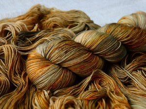 Falling Leaves - Vibrance collection - Fall for November yarns