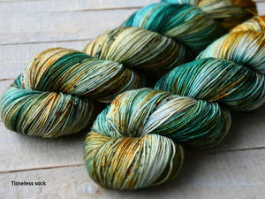 Rusty Sea - Vibrance collection - Timeless sock - Fall for November yarns