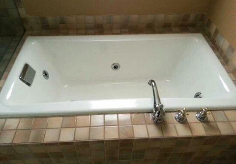 Jetted Tub, like new
