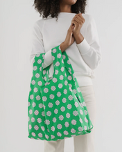 Load image into Gallery viewer, Green Daisy- Standard Baggu