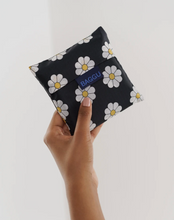 Load image into Gallery viewer, Black Daisy- Standard Baggu