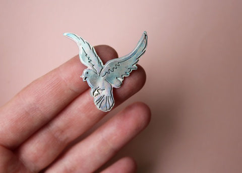 Free Flying Bird Pin