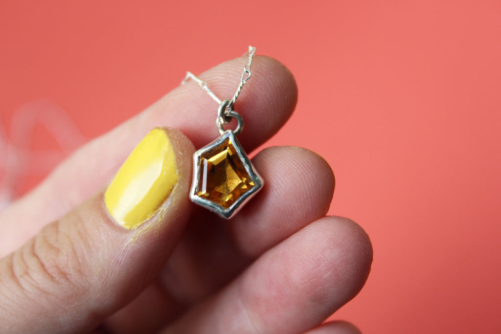 The last leaf Geometric Topaz Necklace