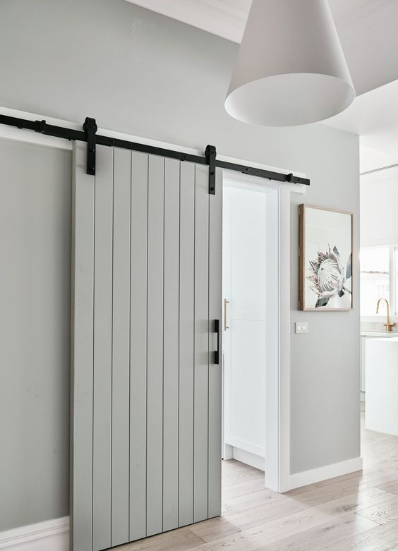 Quality barn door kits, rolling barn door kits, sliding barn door kits, designer sliding doors kit, hardware for sliding doors, bifold barn door, bifold sliding doors. Rolling barn door kits for doors, homes and commercial places. UK.