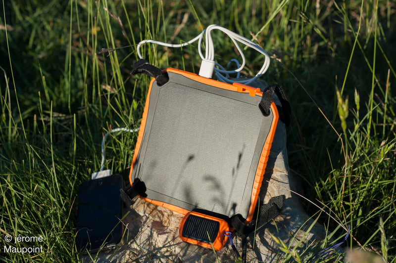 Stodeus LeSolarPad solar powered battery and charger