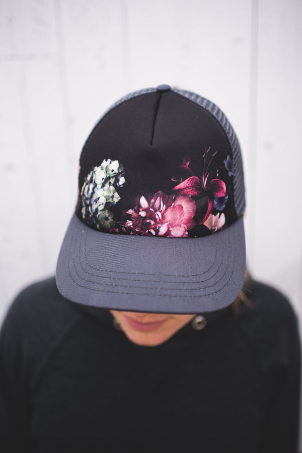 Piper Ponytail Trucker | Canadian Frost